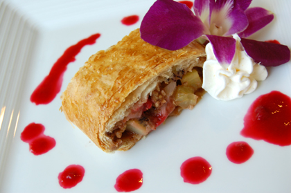 baked_fruit_strudel
