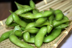 Edamame by Zesmerelda in Chicago 300x199 FOOD FOCUS:  To Soy or not to Soy?!
