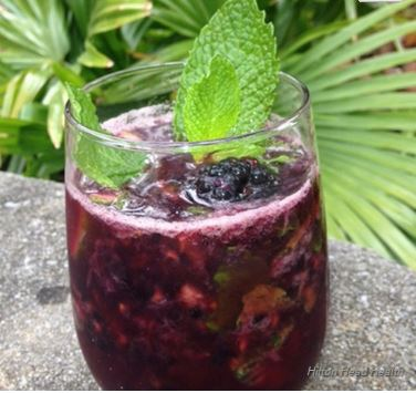 Capture-berry spritzer