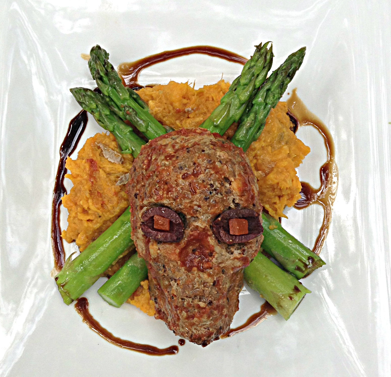 skull meatloaf1jpg - Halloween Meat Recipes