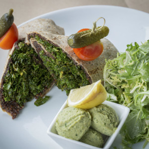 vegetarian burrito, kale burrito, healthy recipe